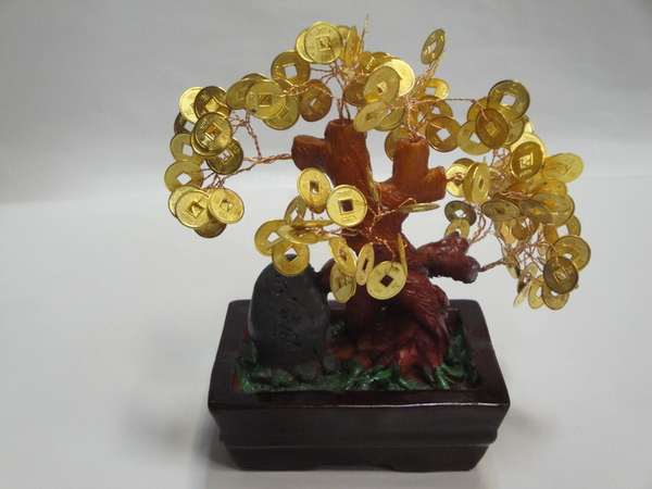 Денежное дерево из натуральных камней и китайских монеток.  Существует красивая легенда о чудесном дереве...